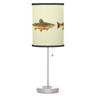Pesca de la trucha de arroyo lámpara de mesa