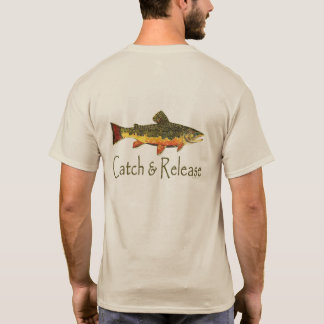 Pesca de la trucha de la captura y del lanzamiento playera