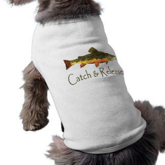 Pesca de la trucha de la captura y del lanzamiento playera sin mangas para perro