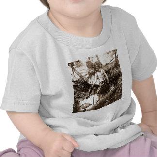 Pesca de la trucha - tarjeta de Stereoview del vin Camiseta