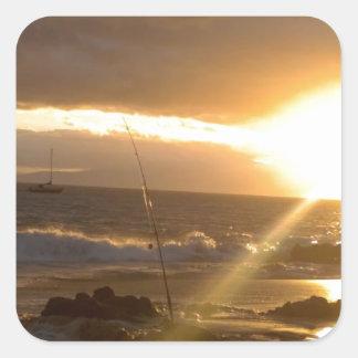 Pesca de Maui Hawaii en la puesta del sol Pegatina Cuadrada