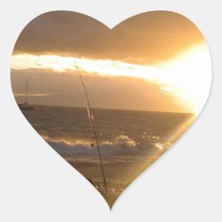 Pesca de Maui Hawaii en la puesta del sol Pegatina En Forma De Corazón