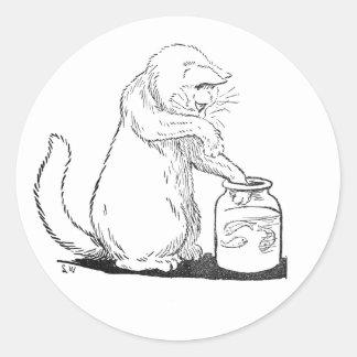 Pesca del gato en el tarro de cristal pegatina redonda
