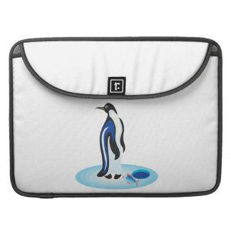 Pesca del hielo del pingüino fundas macbook pro