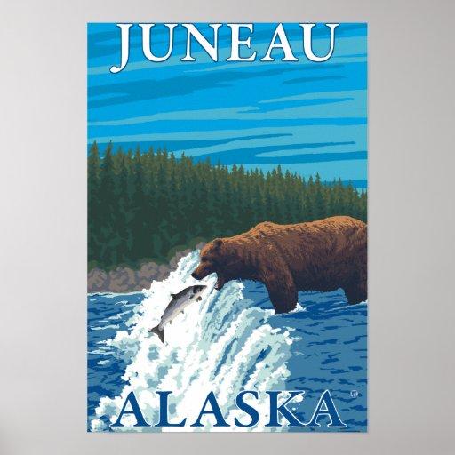 Pesca del oso en el río - Juneau, Alaska Poster