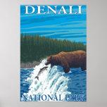 Pesca del oso en el río - parque nacional de Denal Póster