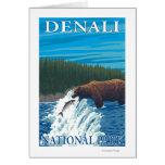 Pesca del oso en el río - parque nacional de Denal Tarjeta De Felicitación