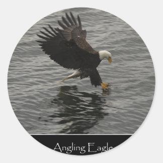 Pesca del sistema del regalo de Eagle calvo Pegatina Redonda