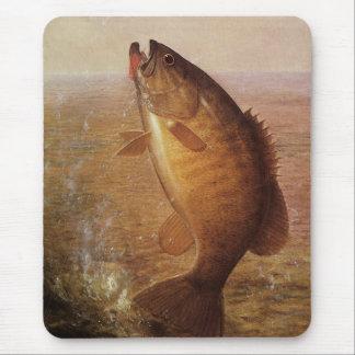 Pesca deportiva del vintage lago bocazas bass de alfombrilla de ratón
