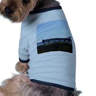 Pesca dominante del cedro camiseta con mangas para perro