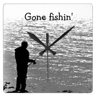 Pesca en el lago reloj