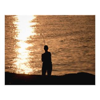 Pesca en la puesta del sol tarjetas publicitarias