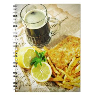 Pescado frito con patatas fritas cuaderno