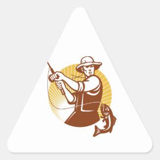 Pescador de la mosca que pesca el grabar en madera pegatina triangulo personalizadas