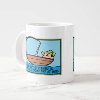 Pescador divertido taza grande