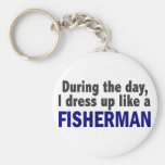 Pescador durante el día llavero