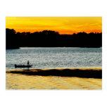 Pescador solo tarjeta postal