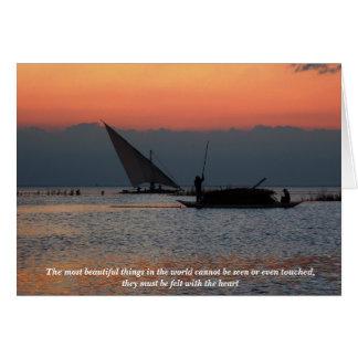 Pescadores en la puesta del sol con cita inspirada tarjeta de felicitación