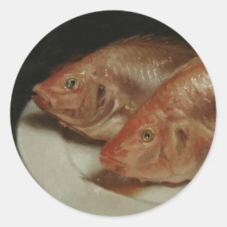 Pescados #2 (pescados en una placa blanca) pegatina redonda