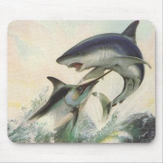 Pescados - aguja negra y tiburón de Mako Alfombrillas De Ratón