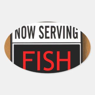 Pescados ahora de servicio pegatina ovalada