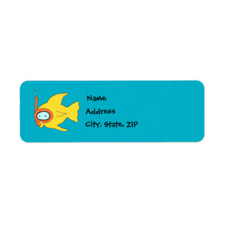 Pescados amarillos que nadan que bucean etiquetas de remite