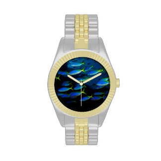 Pescados amarillos y blueback del fusil de chispa reloj