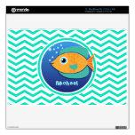 Pescados anaranjados; Aguamarina Chevron verde Skin Para El MacBook Air
