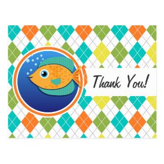 Pescados anaranjados en el modelo colorido de postales