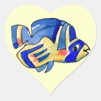 Pescados azules de la mariposa del dibujo animado pegatina en forma de corazón