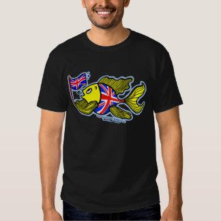 Pescados británicos con una bandera de Union Jack Camisas