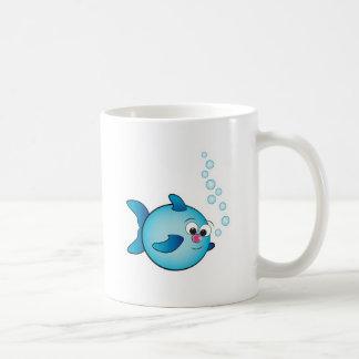 Pescados con la burbuja de aire taza de café