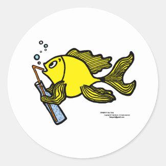Pescados con una bebida, pescados de consumición etiqueta