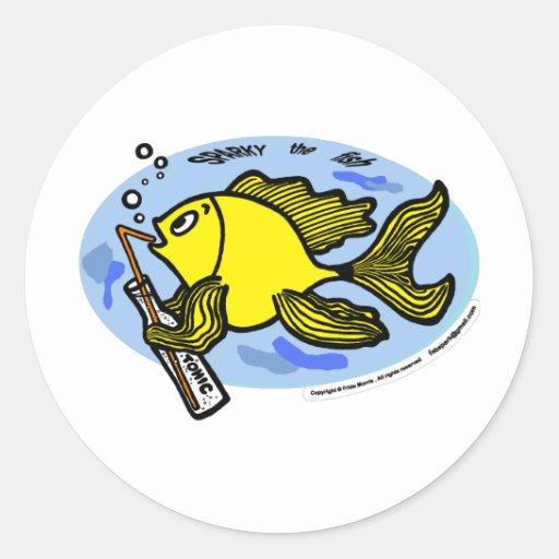 Pescados con una bebida, pescados de consumición pegatina redonda