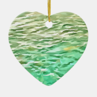 Pescados de alimentación en un lago adorno de cerámica en forma de corazón