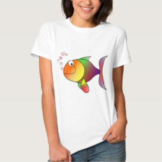 Pescados de arco iris felices playera