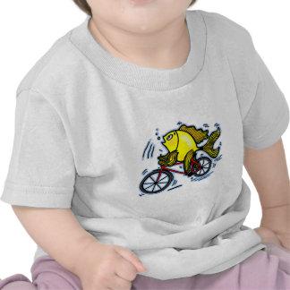 Pescados de la bicicleta (bici) camisetas