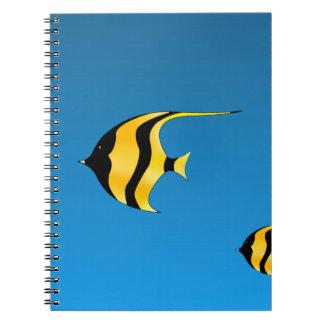 Pescados de la natación libreta espiral