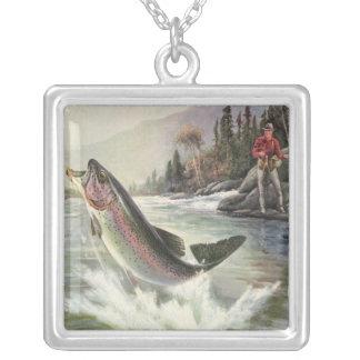 Pescados de la trucha arco iris de la pesca del collar plateado
