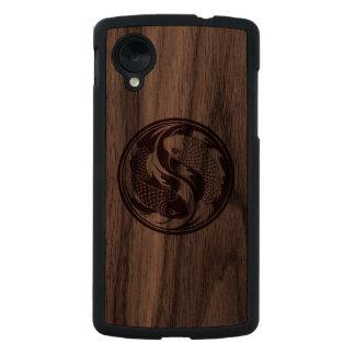 Pescados de madera de Yin Yang Koi Funda De Nexus 5 Carved® De Nogal