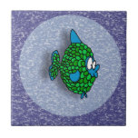 Pescados del dibujo animado del verde azul en azul tejas  ceramicas