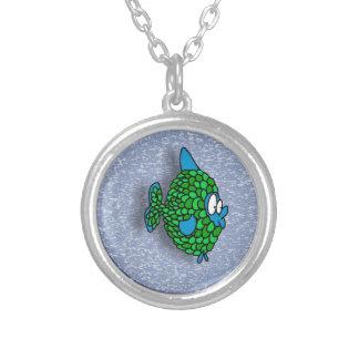 Pescados del dibujo animado del verde azul en azul colgantes personalizados