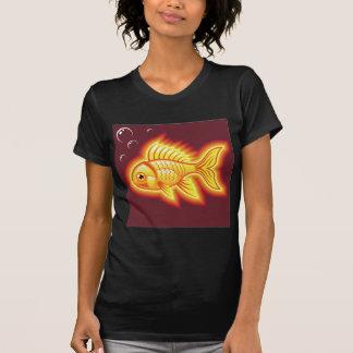 Pescados del oro del vector que brillan playera