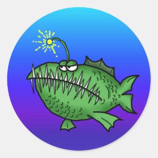 Pescados dentudos pegatina redonda