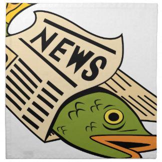 Pescados envueltos en periódico servilletas imprimidas