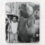 Pescados grandes reales, 1900s tempranos alfombrilla de ratones