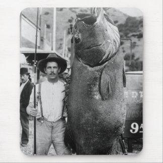 Pescados grandes reales, 1900s tempranos alfombrilla de ratón