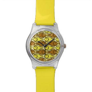 Pescados, oro y marrón modernos de los mediados de relojes de pulsera