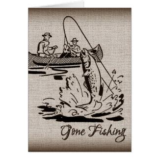 Pescados pesqueros idos del kajak de la canoa del tarjeta pequeña