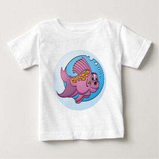 Pescados púrpuras del dibujo animado playera de bebé